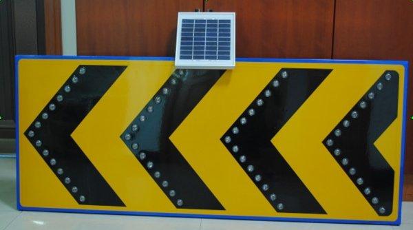 solar signalisation traffic sign