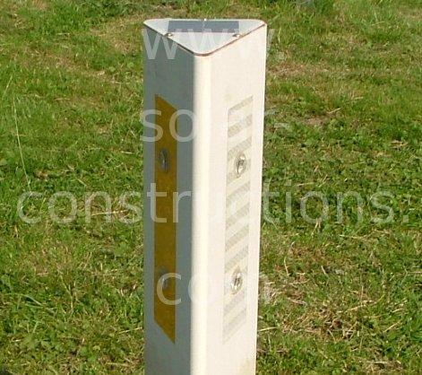 white road post led solar