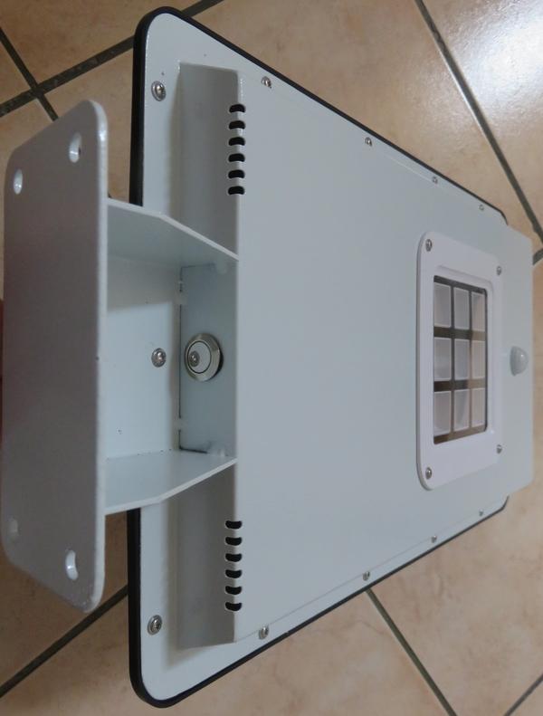 Eclairage led solaire - Lampe a detection de mouvement ...